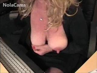 Blonde MILF Big Clit And Squirting Pussy On Webcam CAMKID